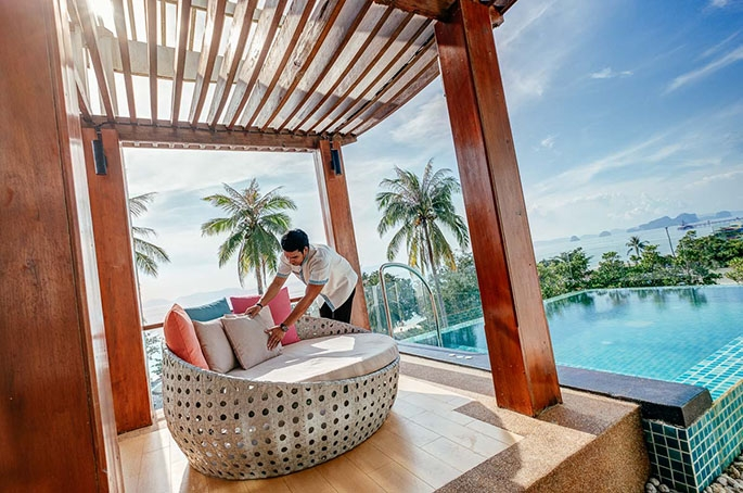 It's been nearly four monthssince my last post, a really busy time indeed — there's been lots of good stuff in front of my camera. In December I photographed a beach resort in Krabi, in the South of Thailand. Enjoy this gallery and click on the images to view my […]