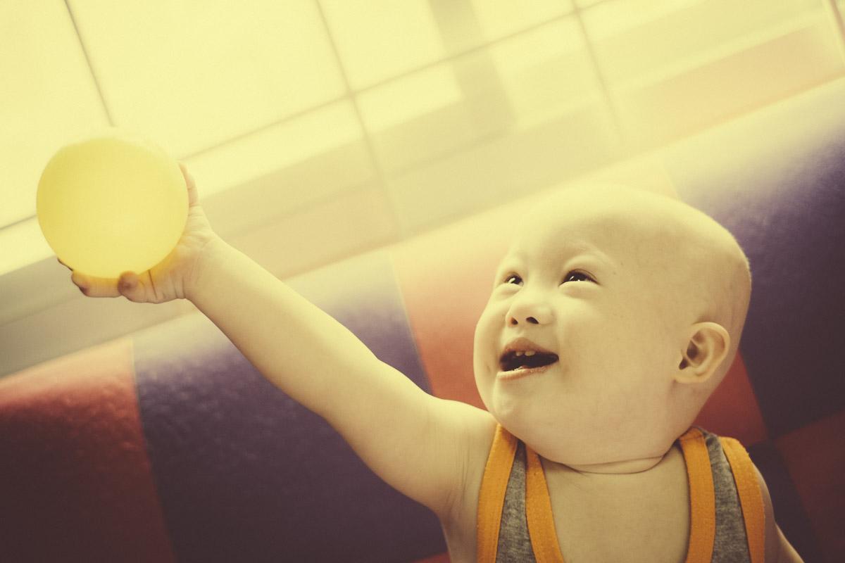 baby gummy first steps