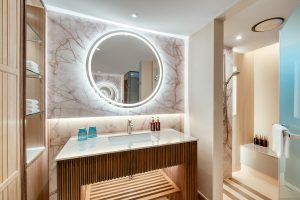 holiday inn resort Patong bathroom hotel photography